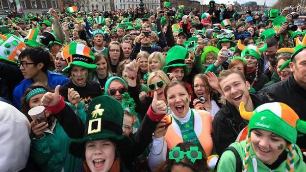 En la siguiente entrada te damos a conocer información de importante acerca de la fiesta de St Patrick o el día de San Patricio en Irlanda.